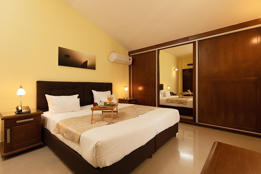hotel-ellena-herceg-novi-1